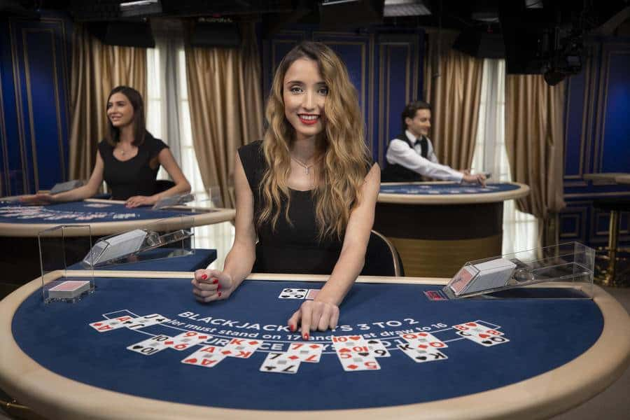 Top 5 Tips to Keep in Mind to Increase Odds While Playing Blackjack!